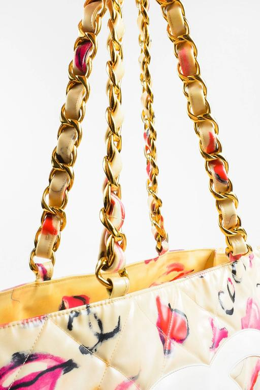 Vintage Chanel Cream Quilted Lip Print 'CC' Stitched Gold Hardware Chain Bag 5