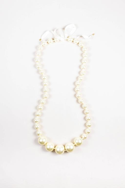 Louis Vuitton Fall 06 Runway Cream Faux Pearl Oversized Satin Ribbon Necklace 2