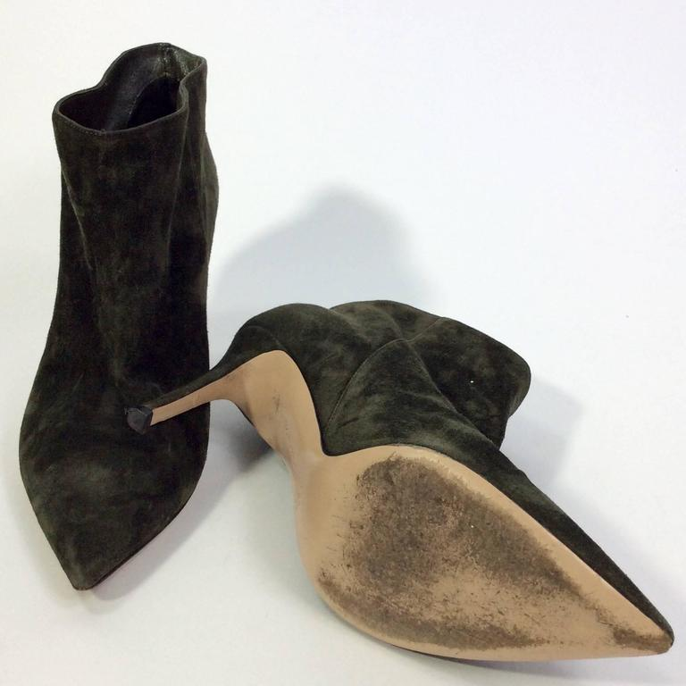 Gianvito Rossi Olive Suede Pointed Bootie In Excellent Condition For Sale In Narberth, PA
