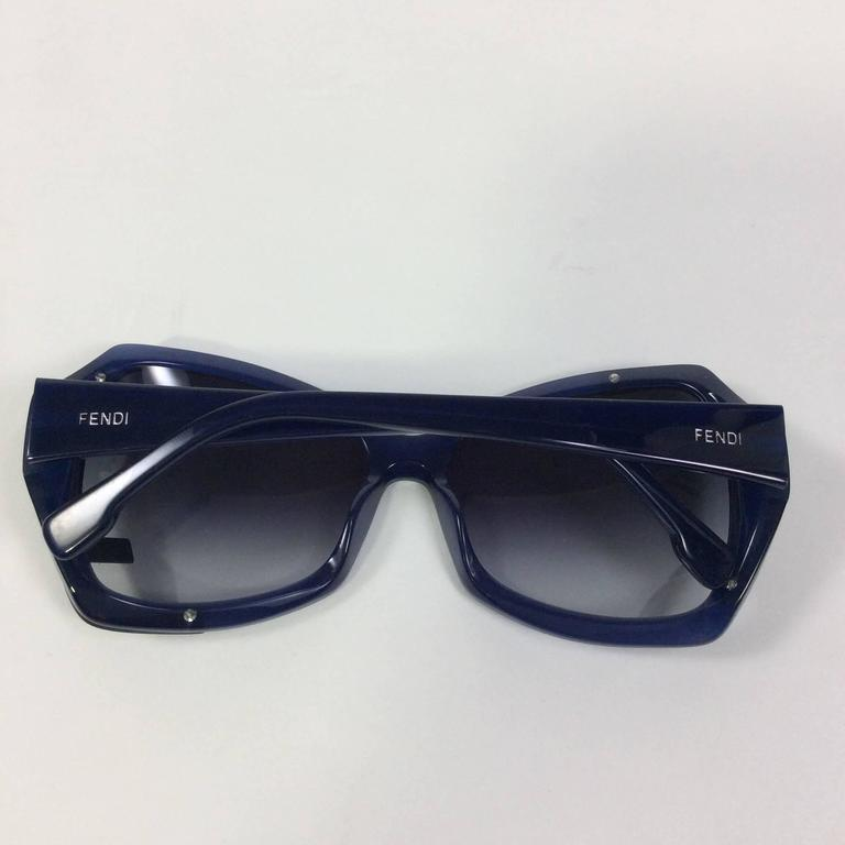 Fendi Blue Tinted Sunglasses In Excellent Condition For Sale In Narberth, PA