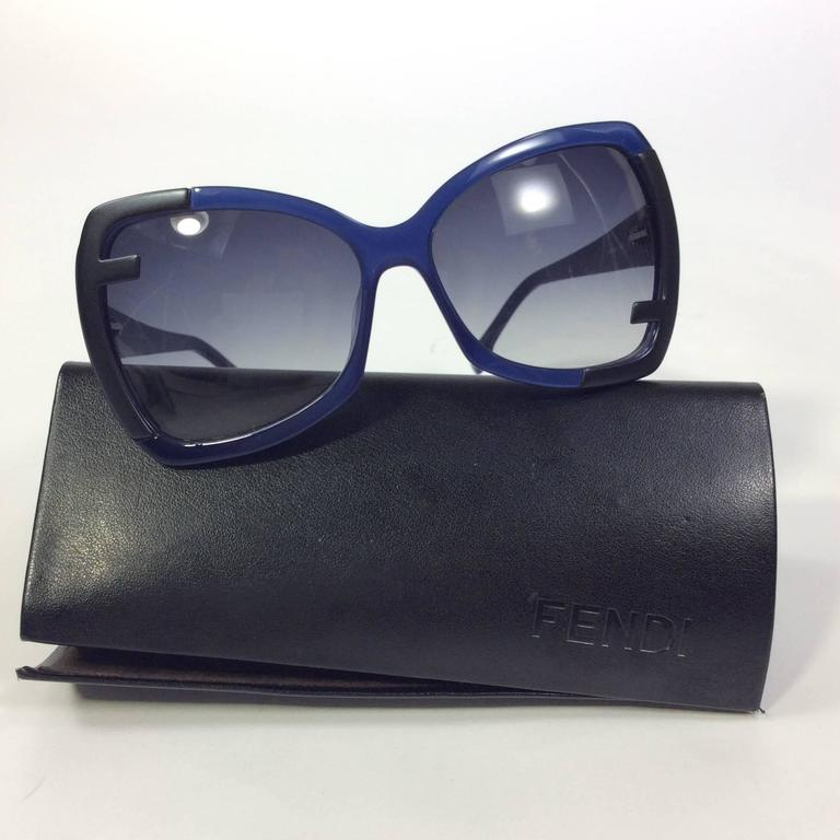 Color: Blue and Black Case Included