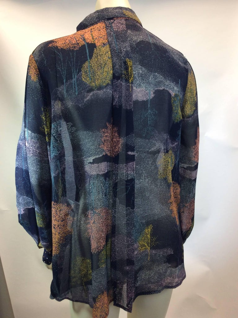 See By Chloe Navy Printed Button Up Blouse In Excellent Condition For Sale In Narberth, PA