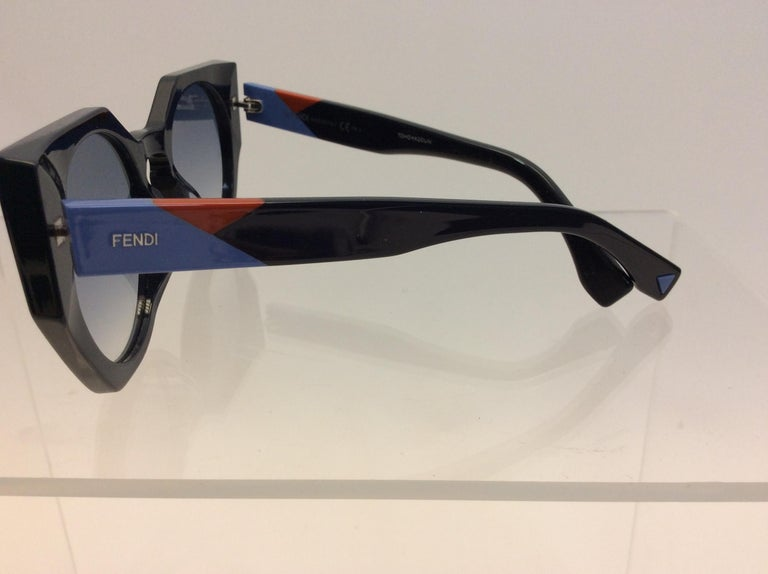 Fendi Navy Blue Sunglasses $165 Made in Italy Across 5.5