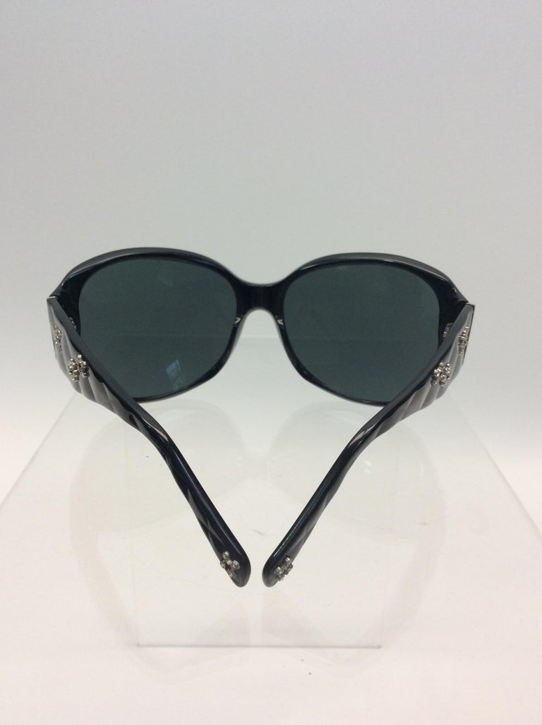 Chanel Black Studded Sunglasses In Good Condition For Sale In Narberth, PA