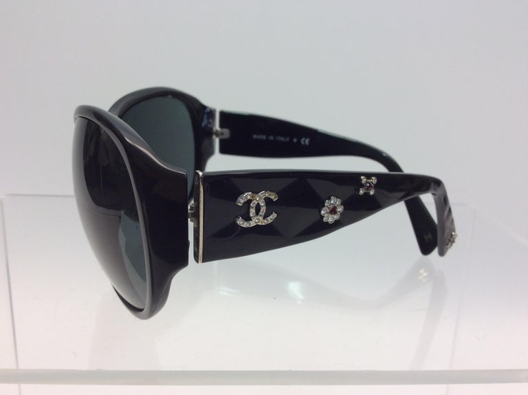 Chanel Black Studded Sunglasses $250 Made in Italy Across 5.5