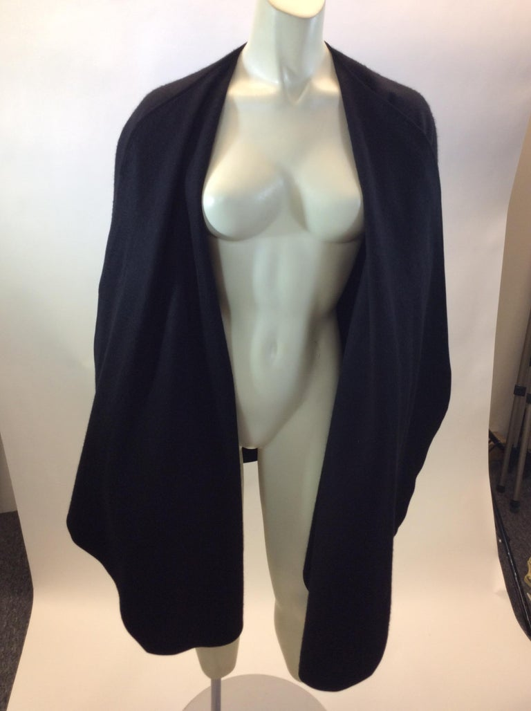 Loro Paina Black Cashmere Shawl For Sale 2