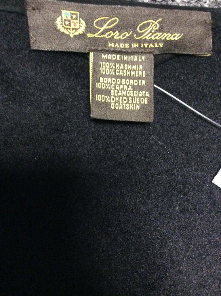 Loro Paina Black Cashmere Shawl For Sale 3