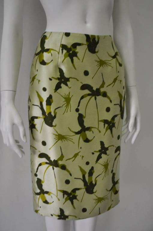 Elegant and Unique Gianni Versace Couture Frond Print Silk Pencil Skirt 2