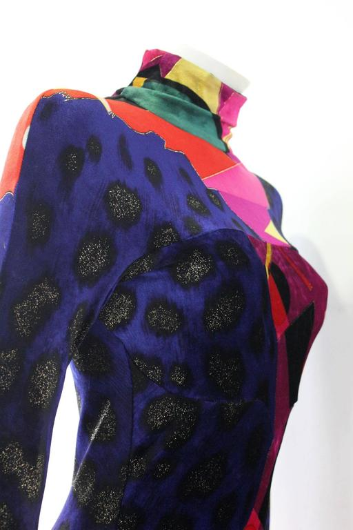 Unique Gianni Versace Couture Print Velvet Stretch Mini Dress Fall 1994 In New Never_worn Condition For Sale In Athens, Agia Paraskevi