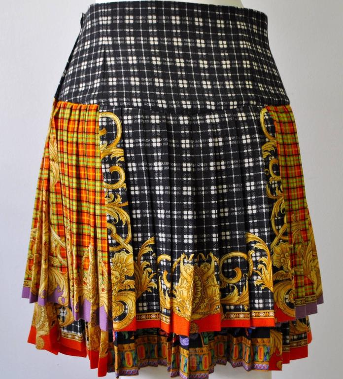 Gianni Versace Couture Tartan Pleated Bondage Collection Skirt  In New Never_worn Condition For Sale In Athens, Agia Paraskevi
