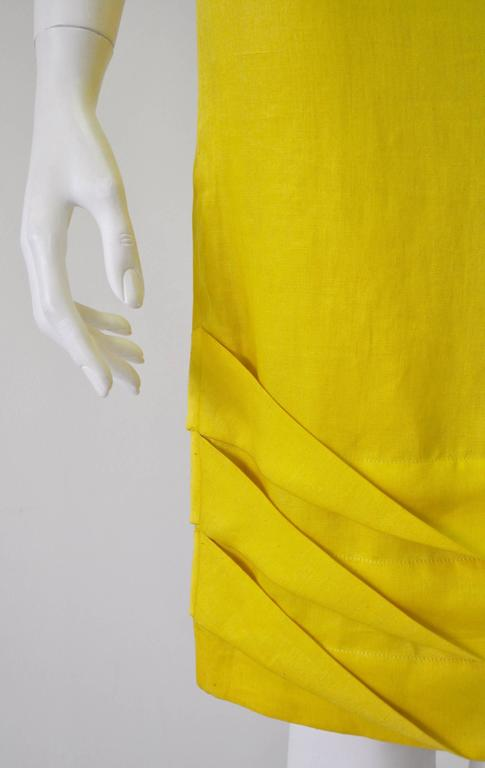 Women's Exceptional Gianni Versace Haute Yellow High Waisted Linen Skirt For Sale