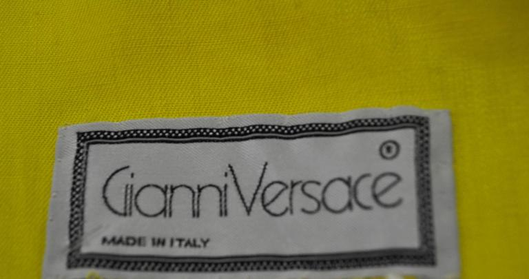 Exceptional Gianni Versace Haute Yellow High Waisted Linen Skirt For Sale 1