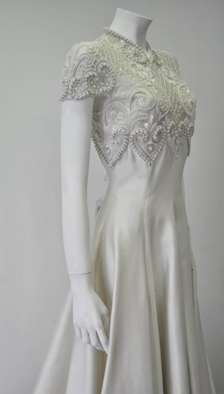 Important Pino Lancetti Hand Embroidered Duchess Satin Wedding Gown In New Never_worn Condition For Sale In Athens, Agia Paraskevi