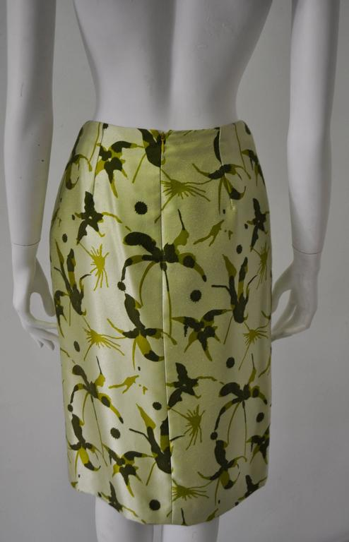 Elegant and Unique Gianni Versace Couture Frond Print Silk Pencil Skirt 5