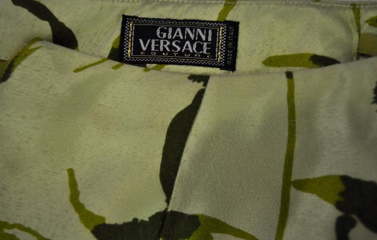 Elegant and Unique Gianni Versace Couture Frond Print Silk Pencil Skirt 7