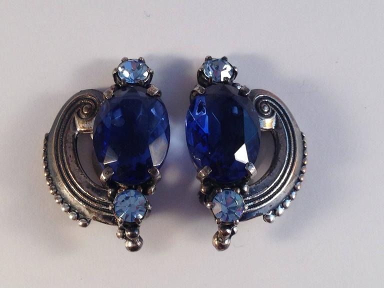 Schiaparelli Brooch and Earrings 1940s Silvertone and Blue Stones  For Sale 2