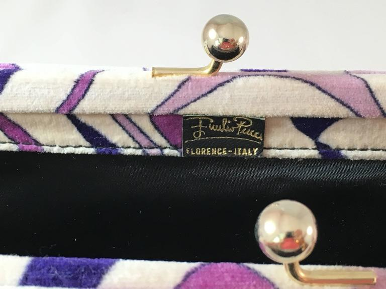 1960s Emilio Pucci Lilac Velvet Clutch In Excellent Condition For Sale In Chicago, IL