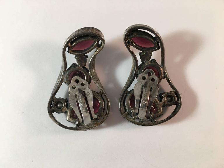 1940s Schiaparelli Biomorphic Shaped Earrings In Excellent Condition For Sale In Chicago, IL