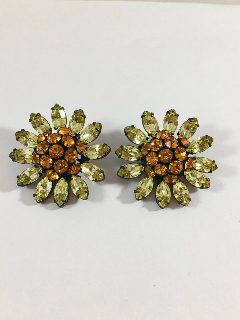 Schreiner Green and Orange Flower Earrings, 1960s In Excellent Condition For Sale In Chicago, IL