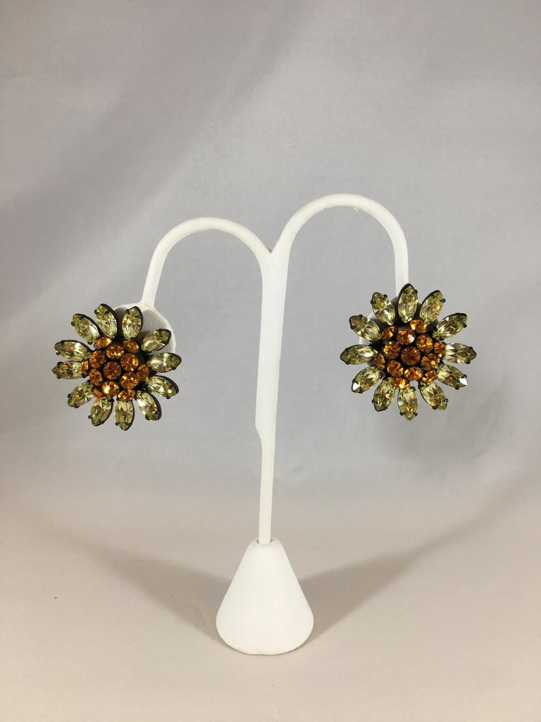 Schreiner Green and Orange Flower Earrings, 1960s For Sale 3