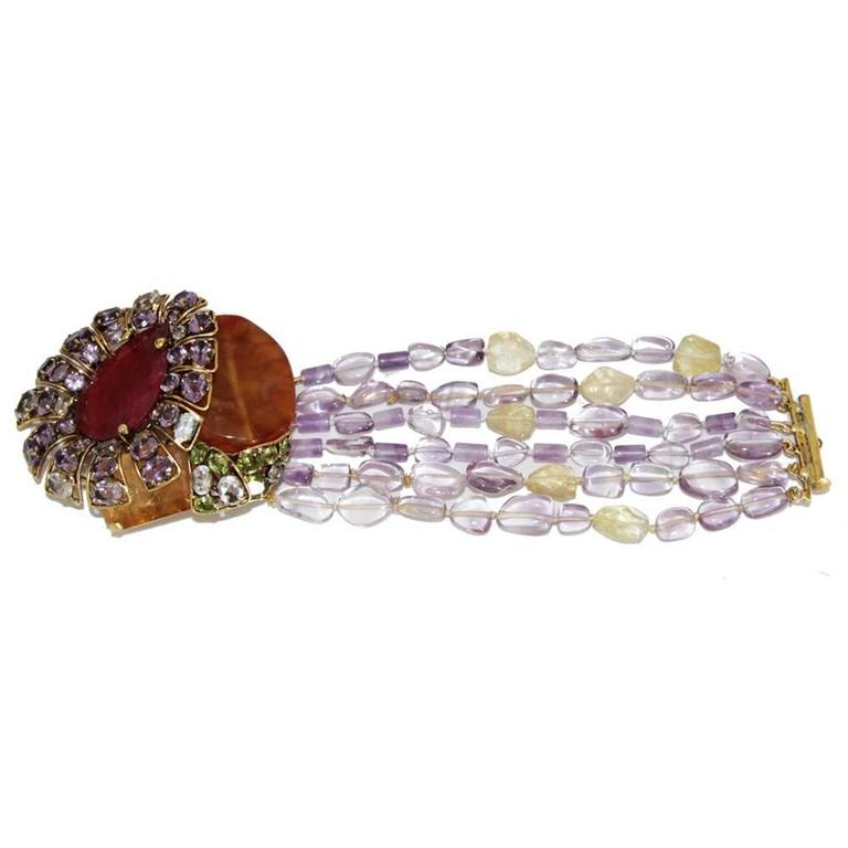 Incredible semi-precious bracelet/brooch In Excellent Condition For Sale In Verviers, BE