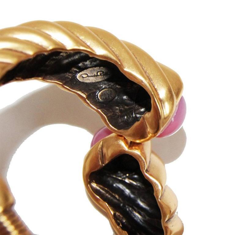 Fabulous Oscar De La renta twisted bracelet of the 90s In Excellent Condition For Sale In Verviers, BE