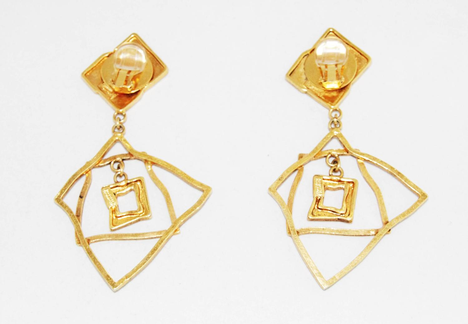 Mercedes robirosa art square vintage earrings of the 80s for Mercedes benz earrings