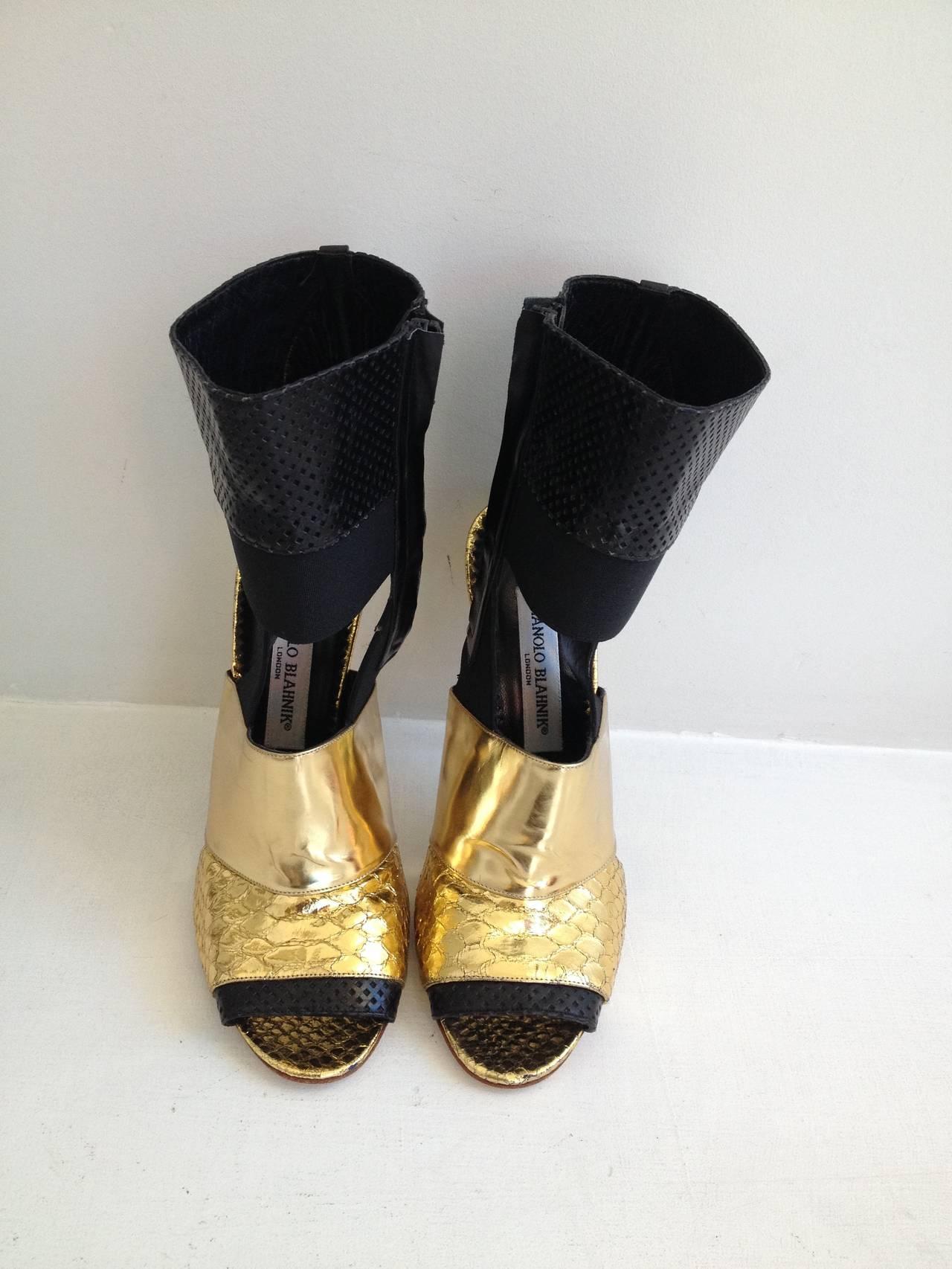 Manolo Blahnik Black and Gold Metallic Heels 2