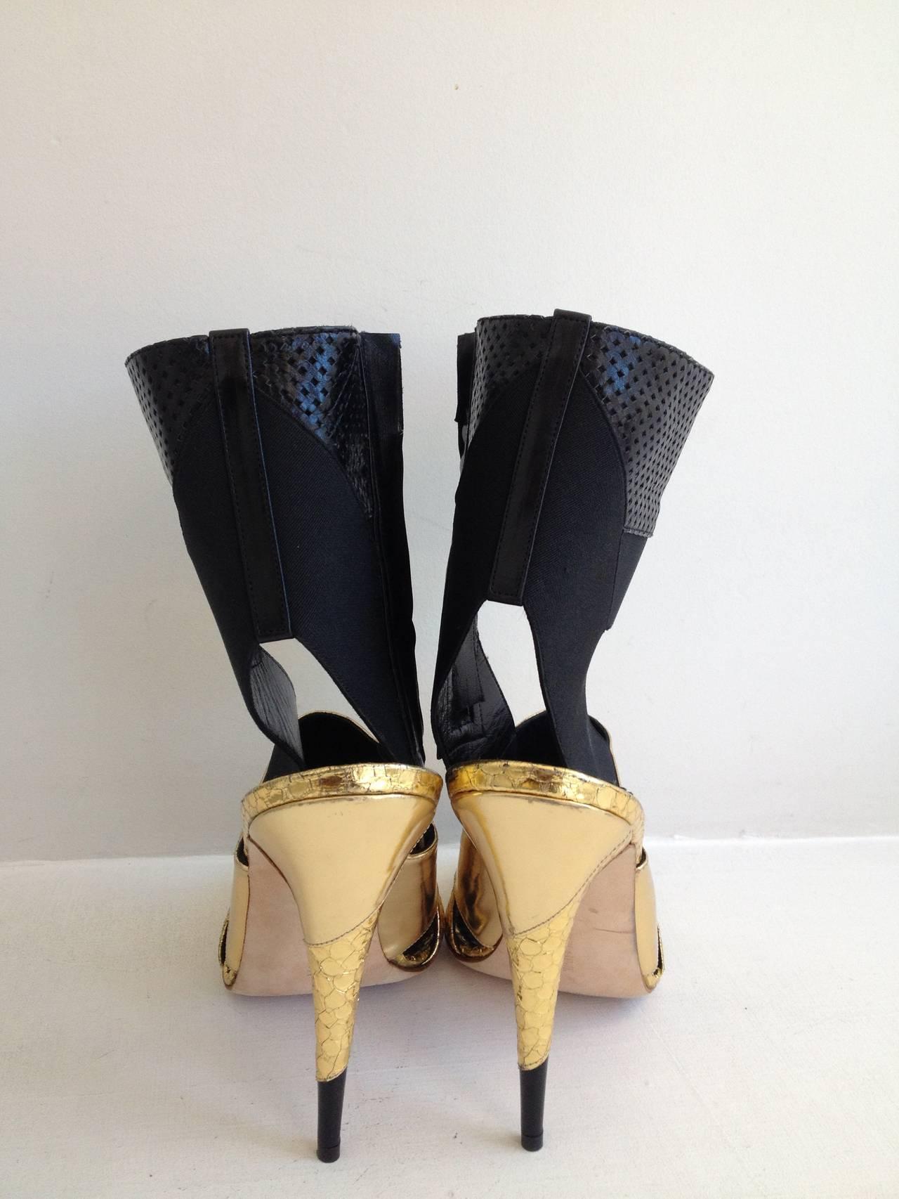 Manolo Blahnik Black and Gold Metallic Heels 3