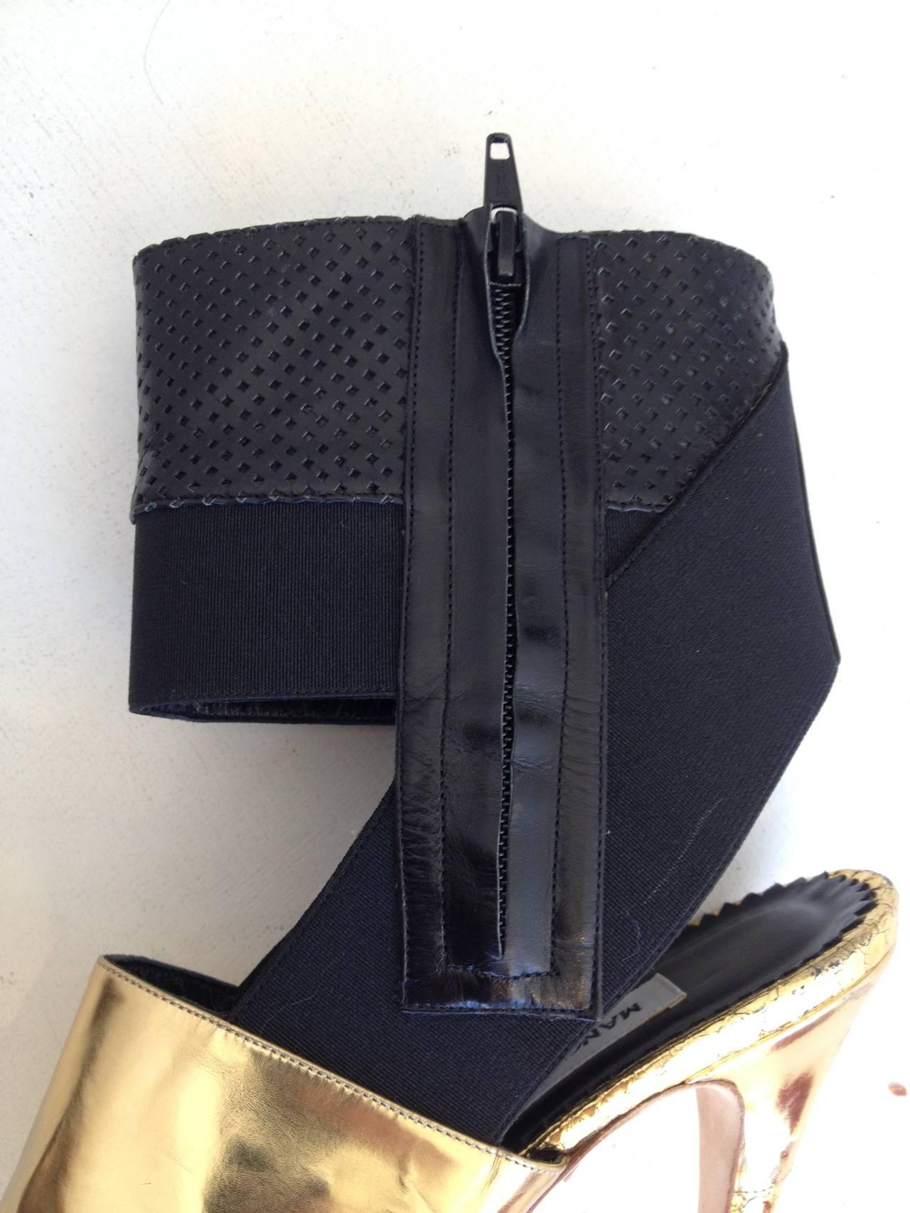 Manolo Blahnik Black and Gold Metallic Heels 4