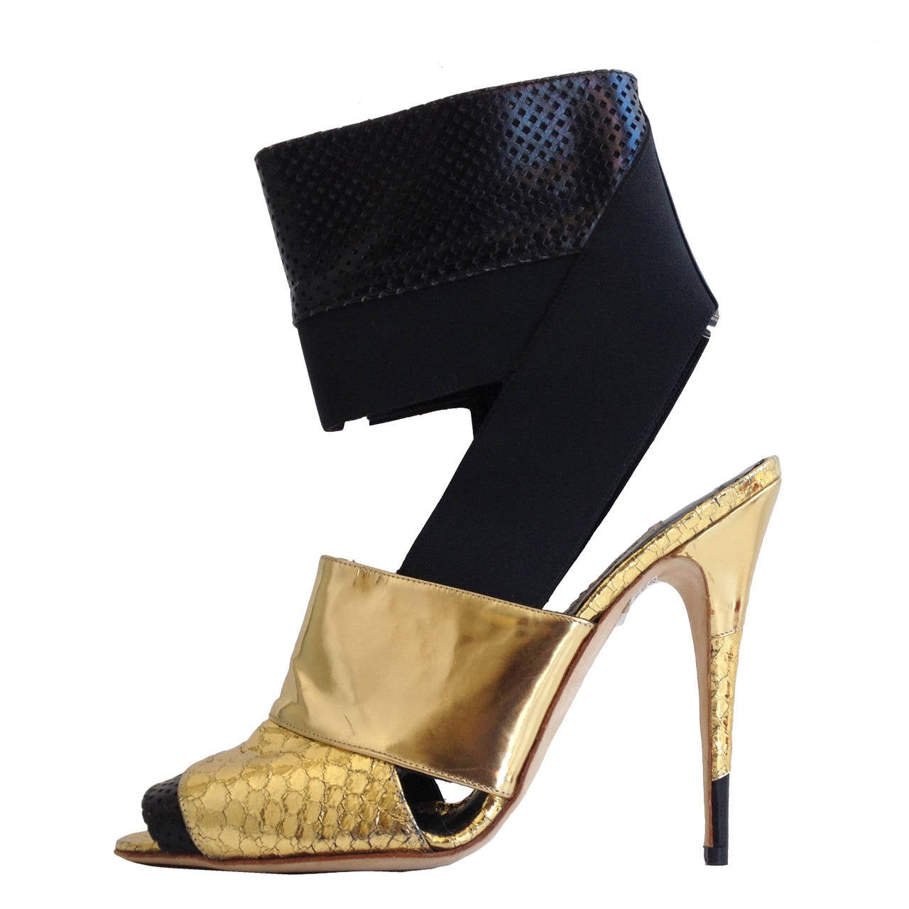 Manolo Blahnik Black and Gold Metallic Heels 1