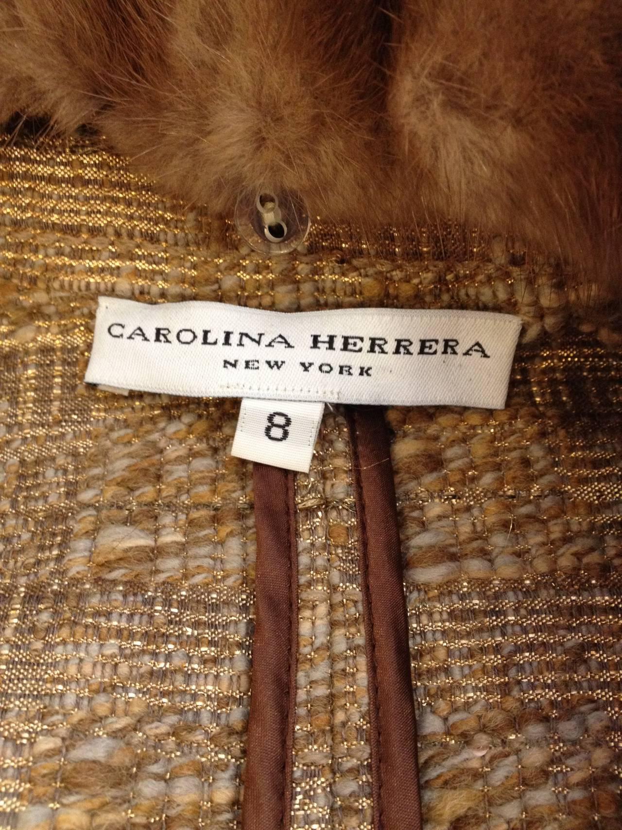 Carolina Herrera Gold Tweed Coat with Fur Collar For Sale 1