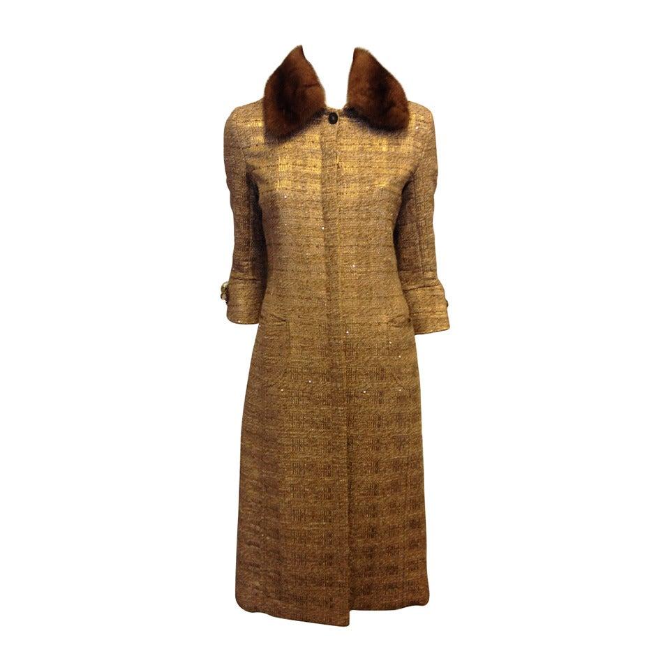 Carolina Herrera Gold Tweed Coat with Fur Collar For Sale