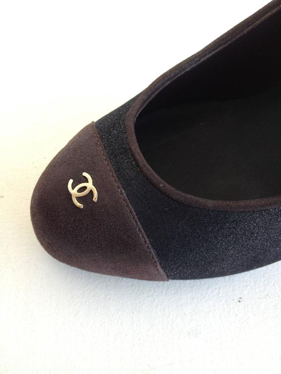 Chanel Black and Brown Coated Nubuck Pumps For Sale 1