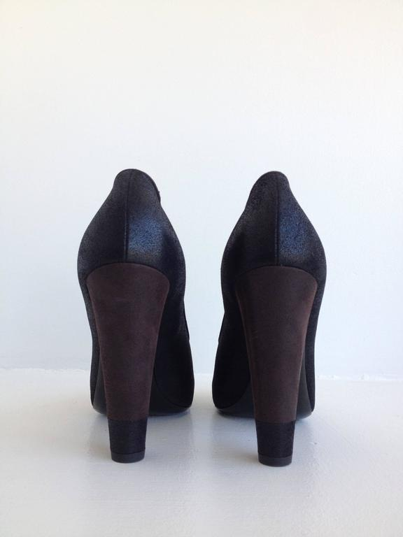 Women's Chanel Black and Brown Coated Nubuck Pumps For Sale