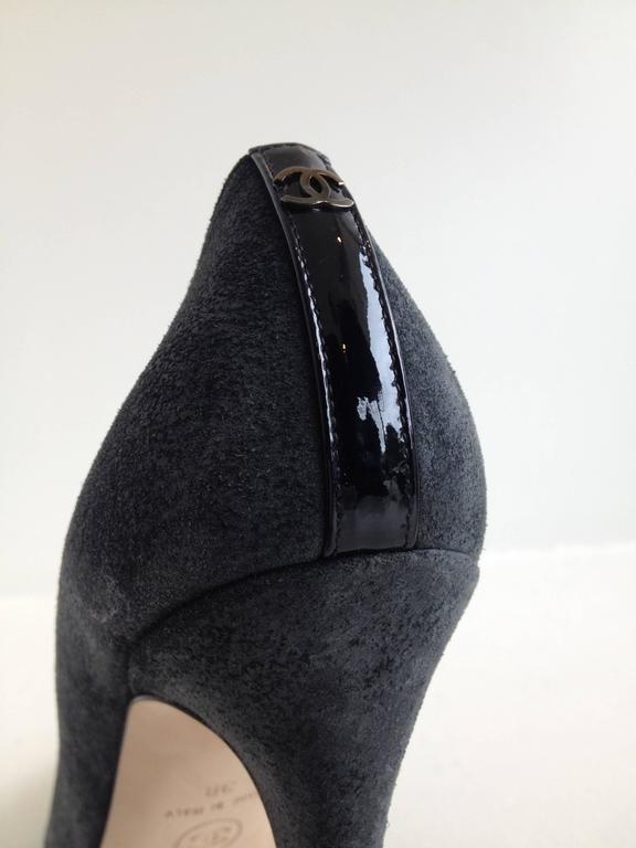 Chanel Grey Suede Cap-Toe Pumps For Sale 1