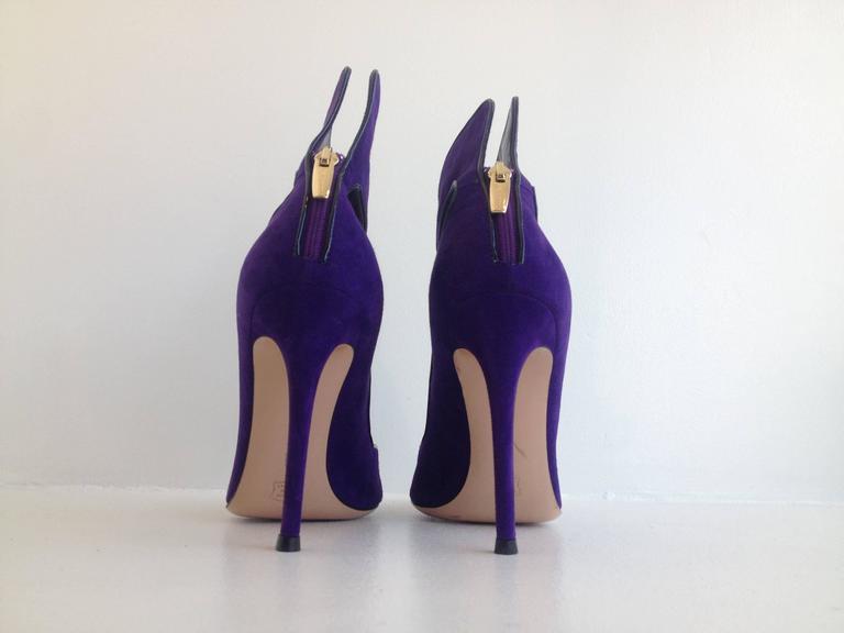 Gianvito Rossi Purple Suede Cuff Heels Size 37.5 (7) 4