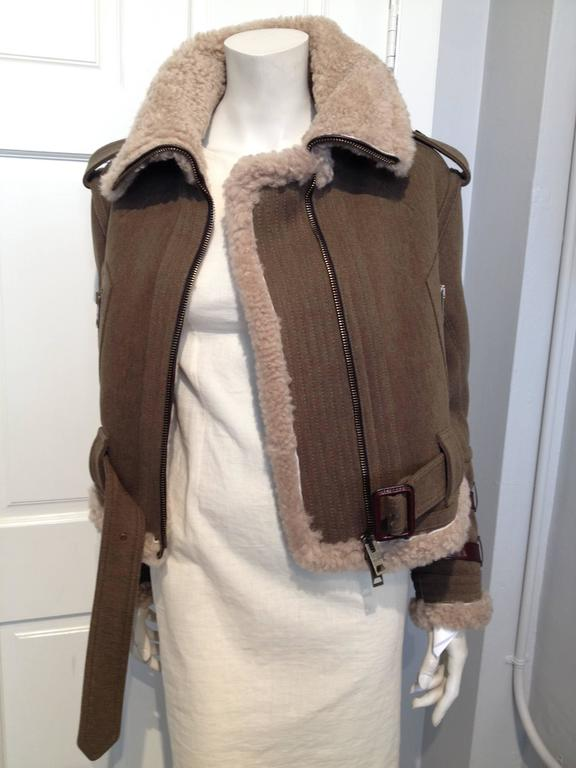 Burberry Prorsum Olive Wool Shearling Bomber Jacket Size 38 (2) In New never worn Condition For Sale In San Francisco, CA