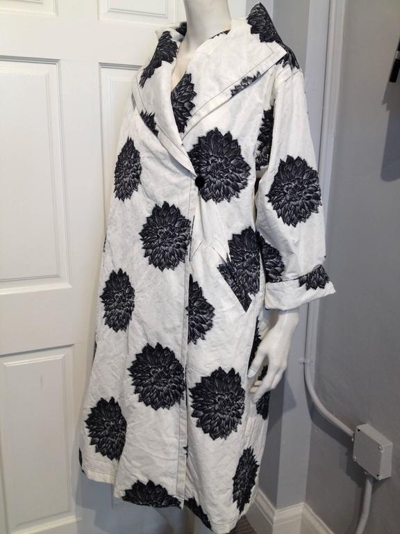 Miller Et Bertaux Black And White Chrysanthemum Coat Size