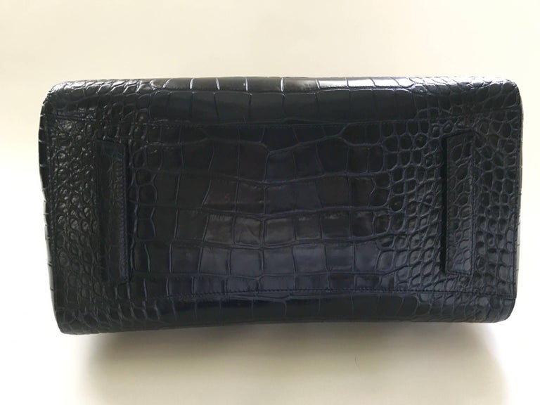 Givenchy Midnight Blue Antigona Bag Large In New never worn Condition For Sale In San Francisco, CA