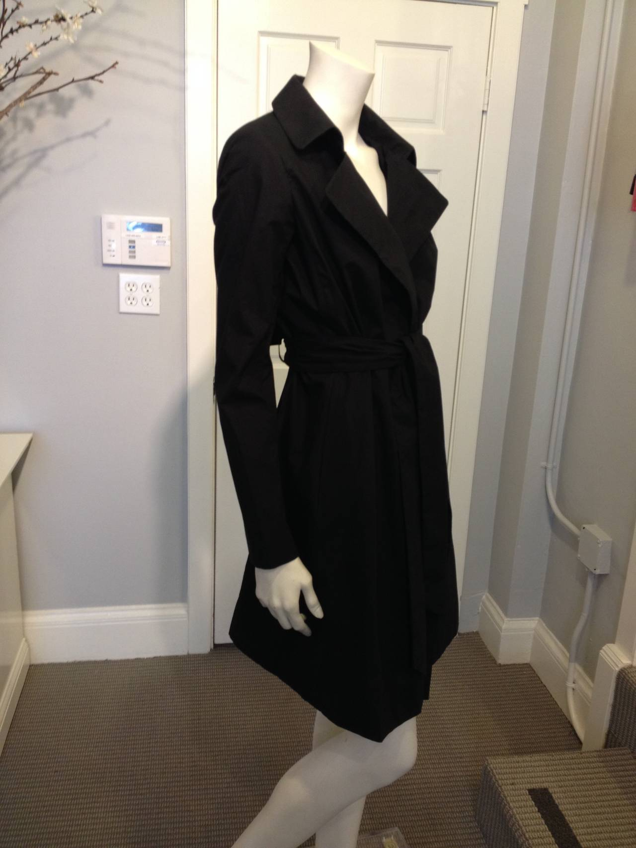 The Row Black Cotton Trench Coat In Excellent Condition For Sale In San Francisco, CA
