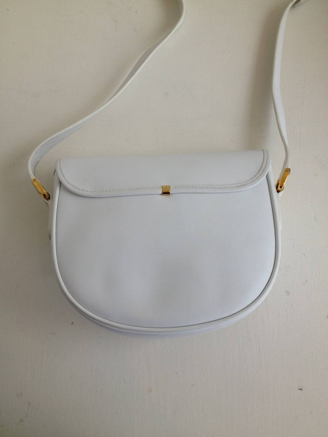4e19f73ad50 Gray Gucci White Leather Vintage Crossbody Saddle Bag For Sale