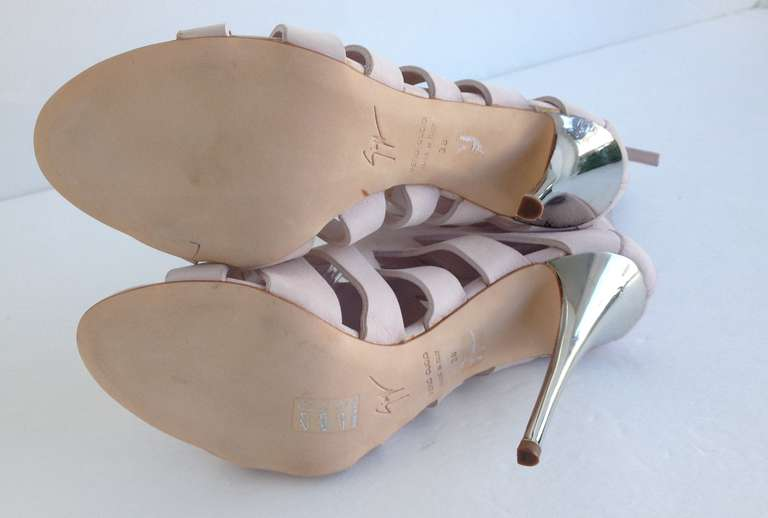 Giuseppe Zanotti Pastel Pink Bootie In New Never_worn Condition For Sale In San Francisco, CA