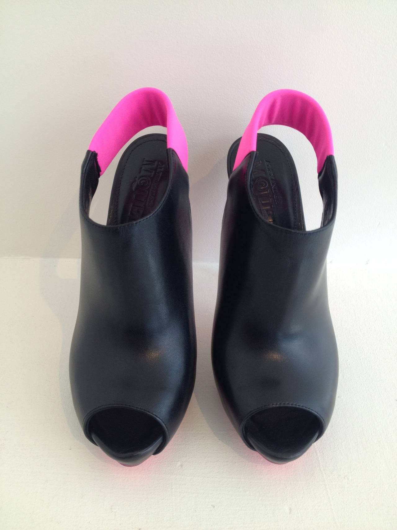 Alexander McQueen Black and Hot Pink Stiletto Booties In New never worn Condition For Sale In San Francisco, CA