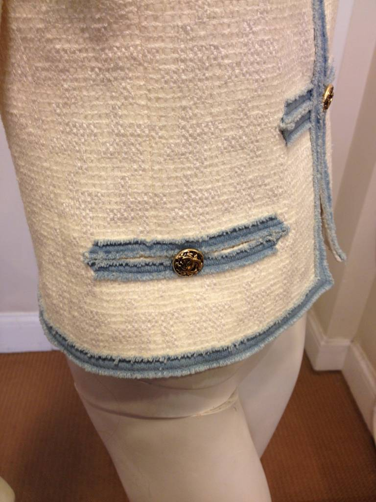 Chanel White Tweed Jacket with Blue Denim Trim In New Never_worn Condition For Sale In San Francisco, CA