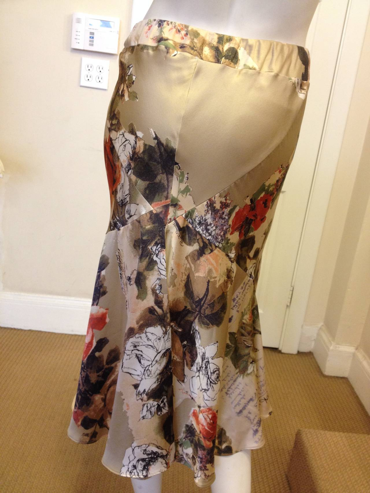 Roberto Cavalli Cream Floral Silk Skirt In Excellent Condition For Sale In San Francisco, CA