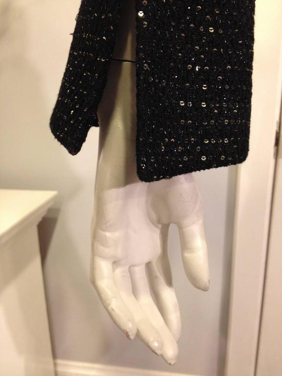 Chanel Black Tweed Jacket with Sequins Size 36 (4) For Sale 2