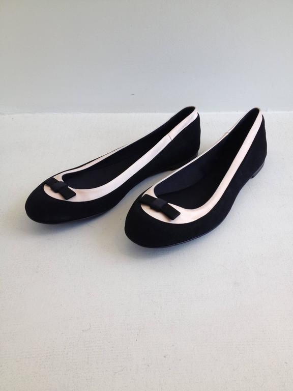 Giuseppe Zanotti Black and Pink Satin Ballerina Flats Size 38 (7.5) In New Never_worn Condition For Sale In San Francisco, CA