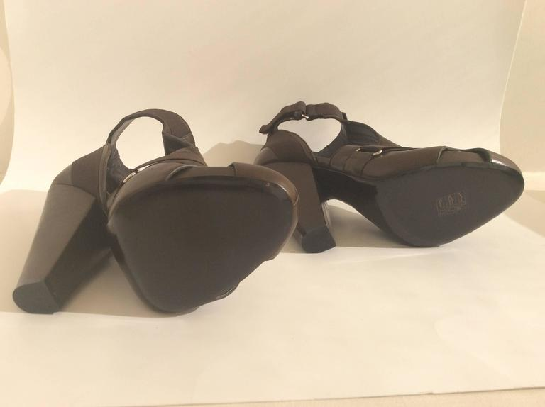 Givenchy Brown Leather Elastic Strappy Platform Sandals Sz 38 Heels In New Condition For Sale In San Francisco, CA