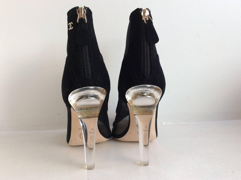 Chanel Black Mesh Booties With Clear Acrylic  Heel Sz 39 In New never worn Condition For Sale In San Francisco, CA